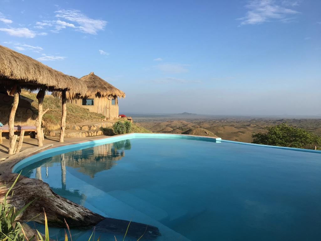 Cette piscine à débordement est un vrai havre de paix !
